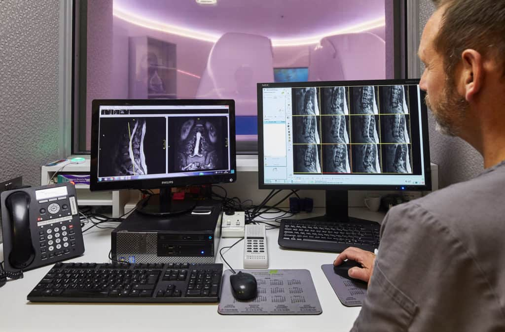 Invest In A Preventative Health Screening | Echelon Health MRI Scanning Room