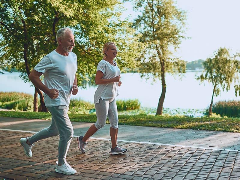 Echelon Health - sporty couple - Evergreen Membership - private health check